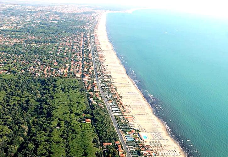 Matrimonio Spiaggia Marina Di Massa : Castel d acone agriturismo con piscina in toscana splendida villa