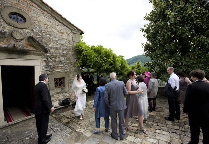 Matrimonio Esclusivo Toscana : Castel d acone villa con piscina per matrimoni in toscana villa